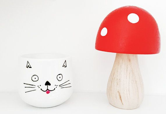 Check out this item in my Etsy shop https://www.etsy.com/uk/listing/485666142/cat-egg-cup-cat-lover-gift-stocking