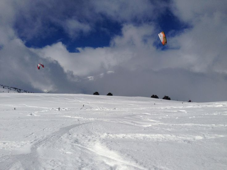 SnowKite Col de Porte Puymorens 29/12/2013 #thingstodo #winter #wind #snow #friends @Kitesurf Barcelona http://kitesurfingbcn.com