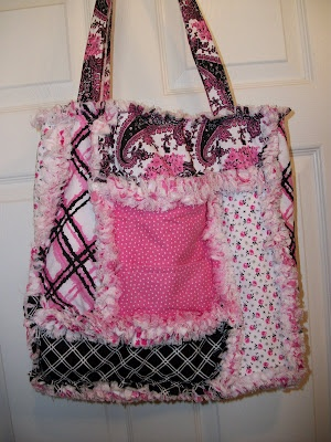 DeereCountry Quilts & More: Pink and black John Deere Rag Quilt bag / tote