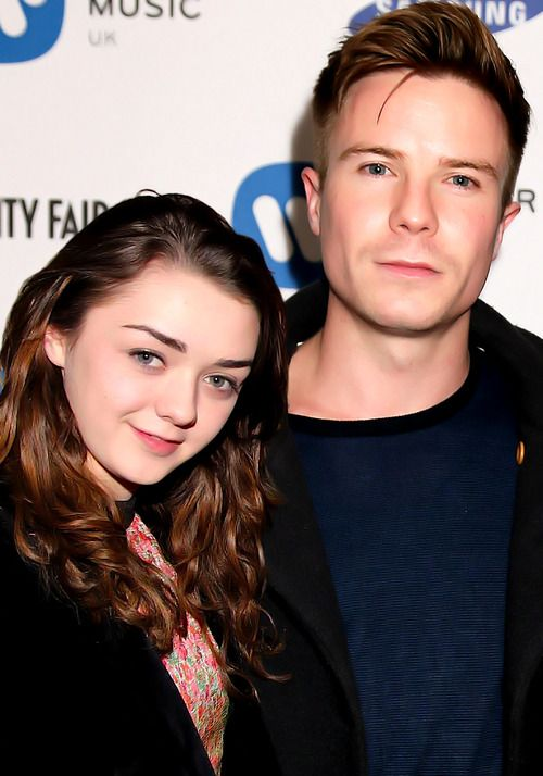 Maisie Williams & Joe Dempsie (Arya & Gendry) Game of thrones