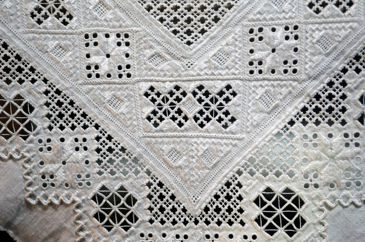 Details from table coth made in Hardanger emboidery. From the collections of Hardanger Folk Museum, Utne, Norway. Photo by Elisabeth Emmerhoff