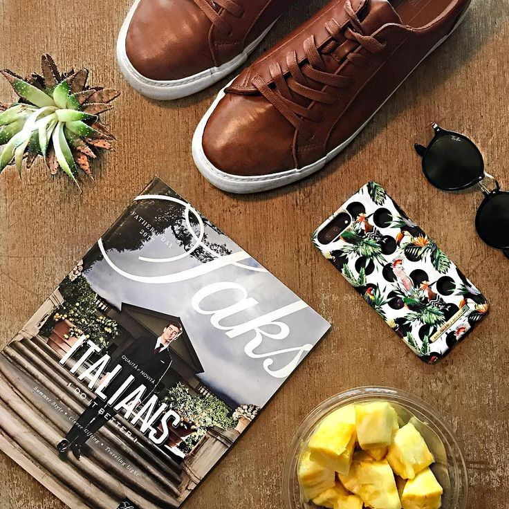 Tropical Dots by lovely @themaleprepster - Fashion case phone cases iphone inspiration iDeal of Sweden #Tropcial #birds #leaf #fashion #inspo #iphone