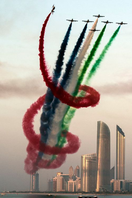 Frecce Tricolori at their best......this is part of their yearly Dubai tour