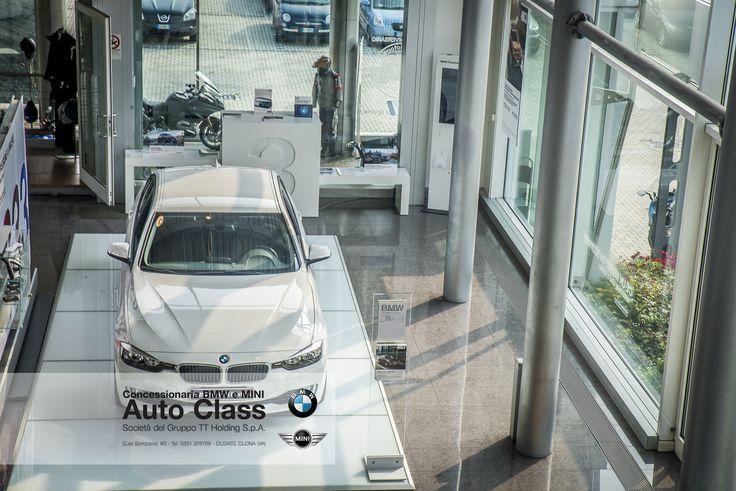 La BMW Serie 3 Touring invita a scoprire il mondo: coniuga versatilità e tecnologie innovative con una straordinaria presenza sportiva. I suoi potenti e parsimoniosi motori diesel e a benzina sono tutti dotati di tecnologia BMW TwinPower Turbo di ultima generazione.