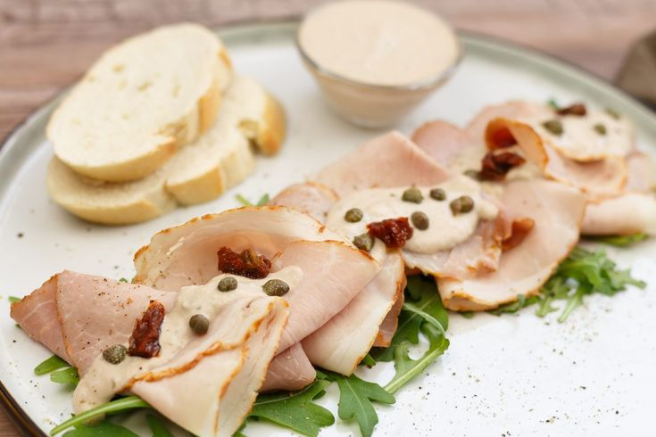 Vitello tonnato - Heerlijk Italiaans voorgerecht | SmaakMenutie