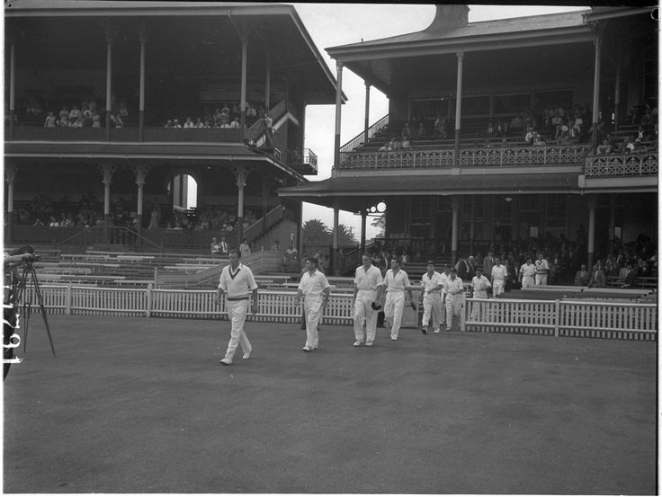 West Indies Cricket Team versus Australia, 3rd Test, 1960-61, Sydney Cricket Ground, January  1961. Australian Photographic Agency collection, Mitchell Library, State Library of New South Wales.