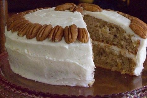 add pineapple to the banana cake... cream cheese instead of caramel frosting.. hmmm... mmmmmm