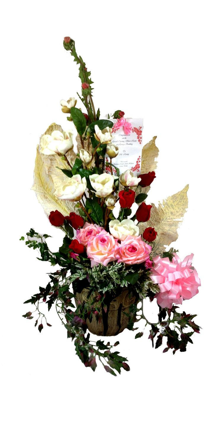 Bountiful Rose Garden Bouquet, filled with Pink rose, Red rose, White rose, and long Ivy, is an incredible arrangement in a ceramic vase that is sure to offer your special recipient the greatest sentiments for an amazing harvest season. A perfect fit for any celebration.