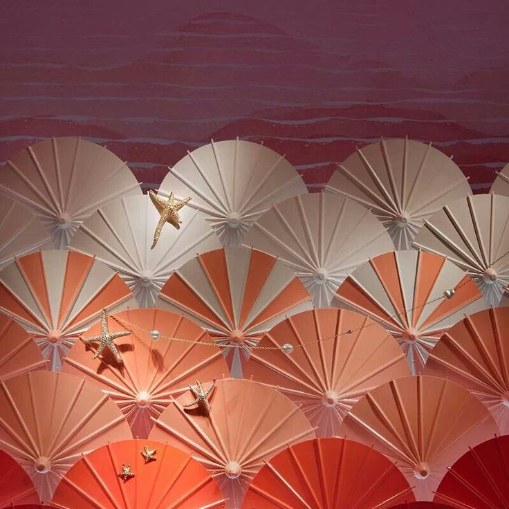 2013 Summer Tiffany Jewelry Window Display- inspiration for blue waves with umbrellas instead...