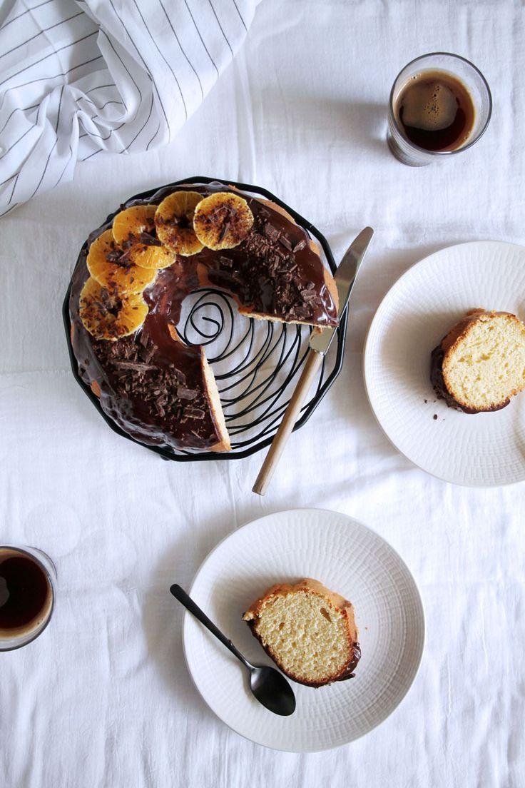 Απλό κέικ πορτοκάλι με σοκολατένια επικάλυψη | theonewithallthetastes.com