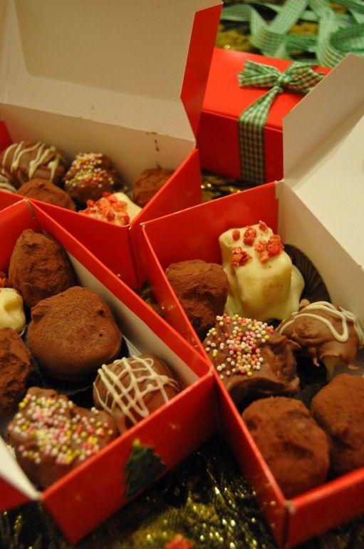 Home made Christmas truffles, great home made gift idea!