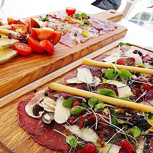 Reposting @vannematson: Un aperitivo por la tarde ? #foodcoma #foodgram #fooddiary #foodblog #foodlovers #foodart #foodspotting #foodshare #foodlove #yum #hungry #recipes #recipe #cookat #delicious #daily #instagood #chef #tasty #yummy #recipeoftheday #follow #cooking #lflmake #snaptweet #eatmea #instafoodie #yummyfood