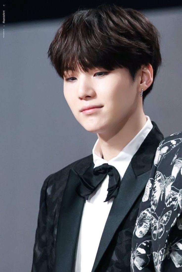 Min Yoongi ist der Prinz von Daegu. Seine Eltern hatten ihn seid sei…