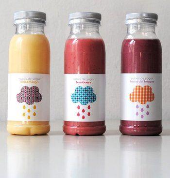 スペインバルセロナのRomantics社が作るフルーツヨーグルトのパッケージは、スムージーの美味しそうな色と可愛いパッケージが魅力。シンプルにまとめられておりながら、素材の良さが引き立つようなデザイン。