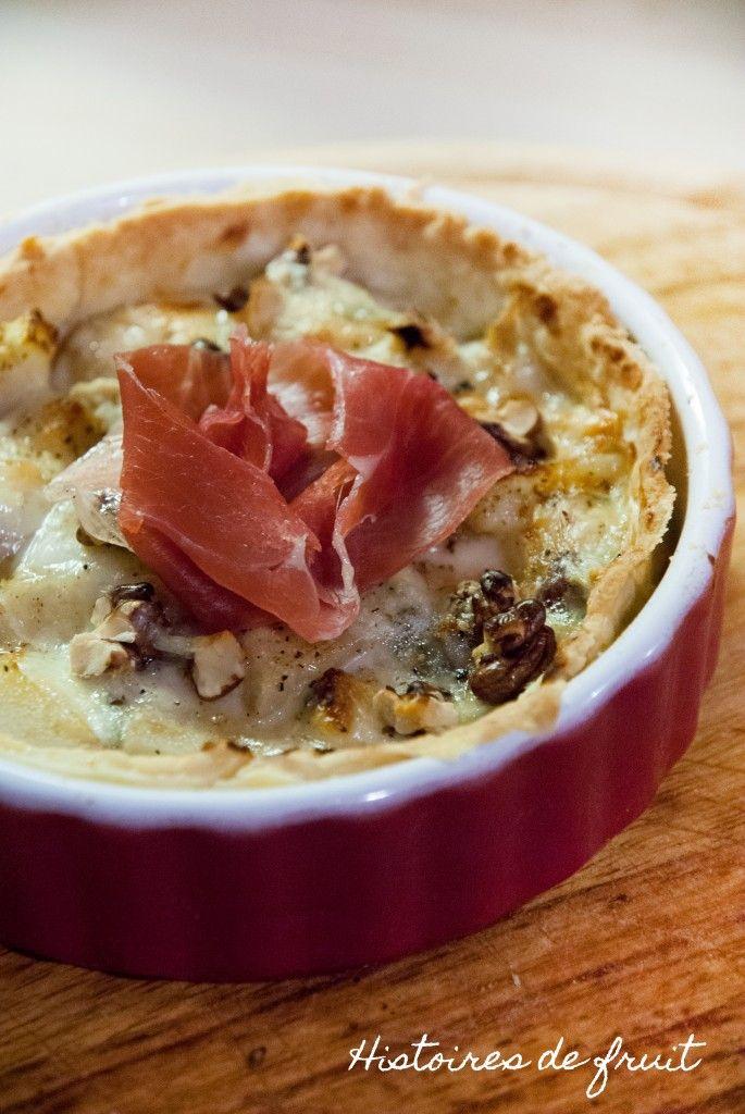 Tartelette poires gorgonzola aux noix et sa chiffonnade de jambon cru italien