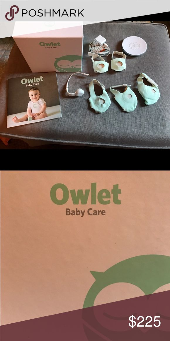 Owlet Smart Sock The Smart Sock uses pulse oximetry to track your infant's heart rate and oxygen levels while they sleep. This information is communicated to your phone via a base station that is designed to notify you if your baby's heart rate or oxygen levels fall outside of preset zones. Only used once. Includes 5 socks.. size: newborn, 1, 2, 3, & 4 owlet Other