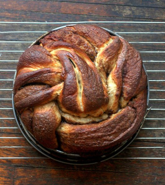 Vanilla Bean Brown Butter Cinnamon Swirl Challah: A Guest Post for 'Baking with Heritage' at Food Wanderings via @parsleysagesweet