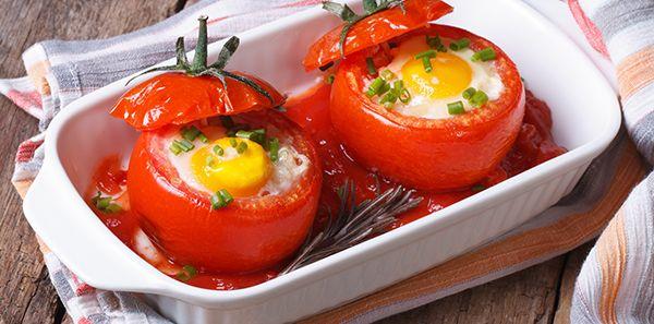 Super Culinária - Tomates ao molho vermelho recheados com ovos