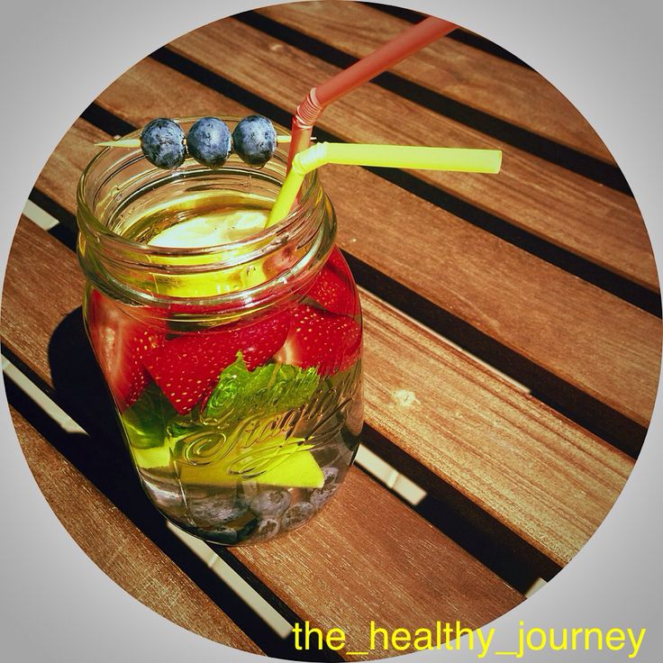 Jazz up your water and stay hydrated  Follow me on Instagram @the_healthy_journey