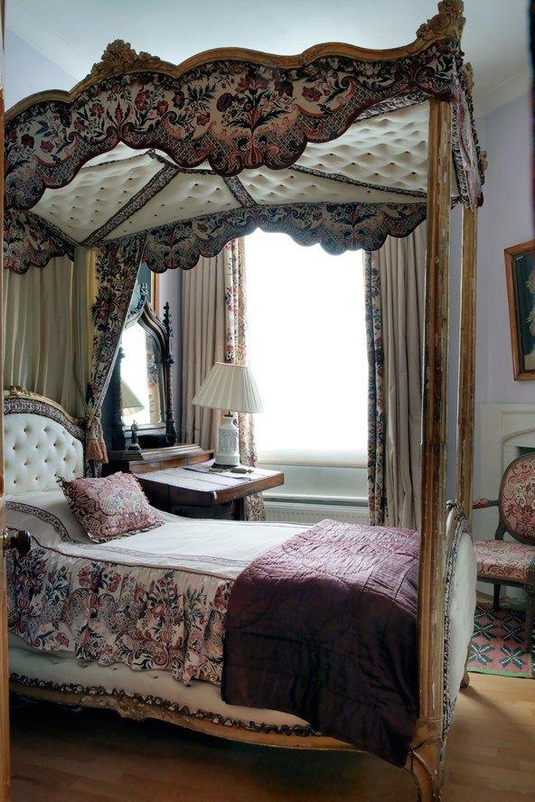 Celebrity, Scandal U0026 Opulence: Tessa Kennedyu0027s Flat. Awesome  BedroomsBeautiful BedroomsBeautiful HomesHouse BeautifulFour Poster BedsTraditional  ...