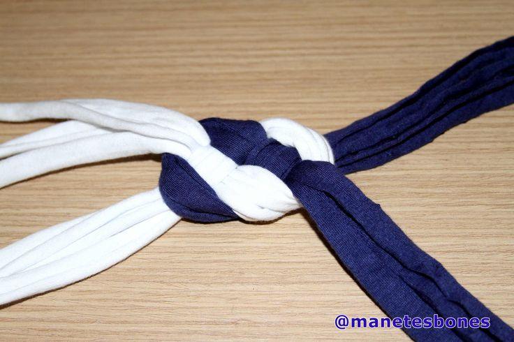 Cómo hacer un collar babero con trapillo
