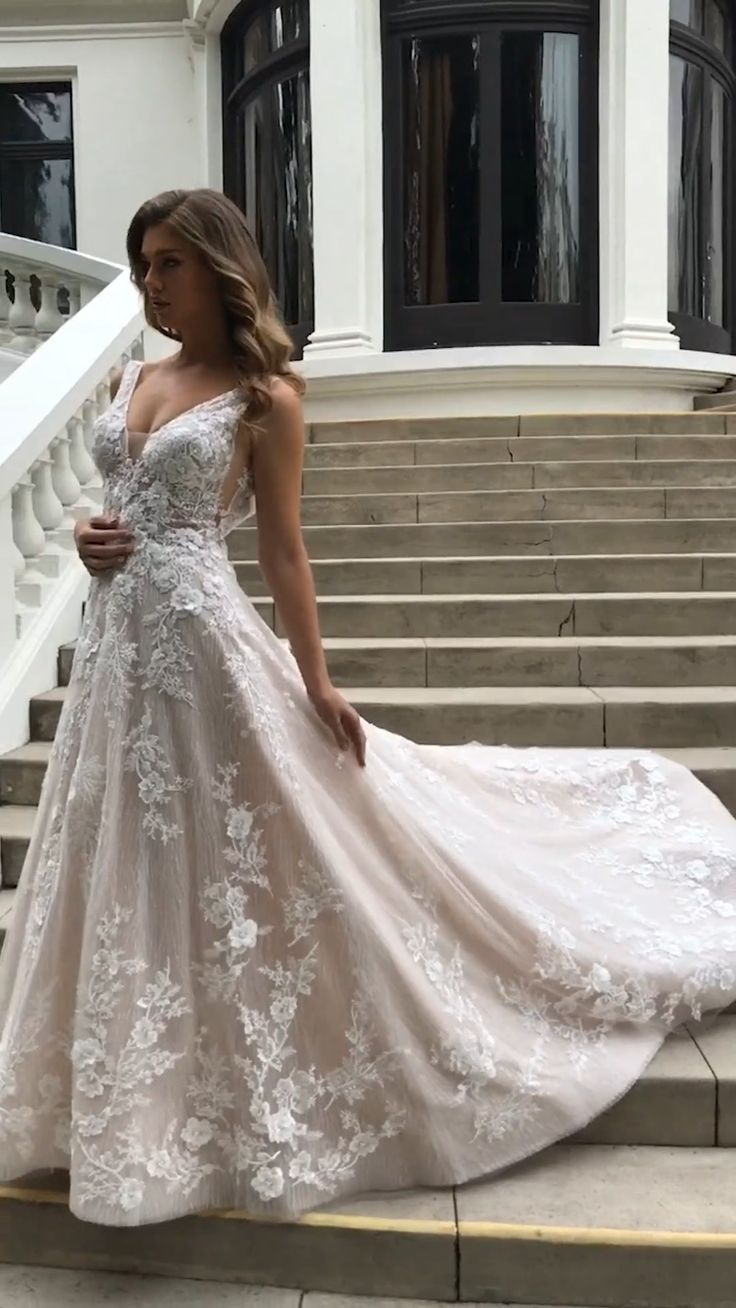 Gallery page filled with the most stunning wedding dresses to get you inspired for your wedding day. 💕 Dress: Marlowe by Enzoani // mysweetengagement.com // #wedding #weddingdresses #weddinggowns #bride #bridal #bridaldresses