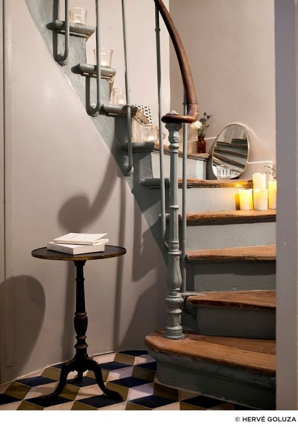 1000 id es sur le th me escalier r novation sur pinterest pilastres escaliers et remodelage for Photo escalier peint