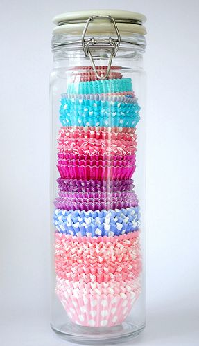 cupcake wrappers in a spaghetti jar.  Organised + decorative = LOVE!: Cupcakes Paper, Cupcakes Liner Storage, Spaghetti Jars, Great Ideas, Paper Storage, Cupcakes Holders, Stores Cupcakes, Storage Ideas, Cupcakes Wrappers