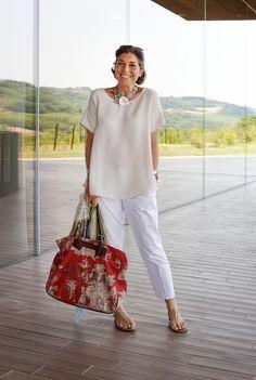 Vocês conhecem a Consuelo Blocker? Filha da Constanza Pascolato (referência como Consultora de Moda), ela trabalha no meio da moda, mora na Itália e é...