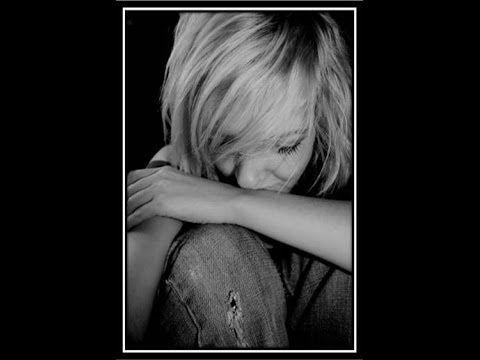 Riesgos De La Anorexia - Desordenes Alimenticios, Sintomas De La Anorexia http://todo-sobre-la-anorexia.plus101.com/ Como madre, la salud de tus hijos y su bienestar es uno de los temas más importantes de tu vida. Por ello, si tienes una hija que está entrando en la adolescencia o ya es adolescente crees que podría tener algún trastorno de la alimentación, es fundamental que comprendas esta enfermedad y que sepas además que la misma requiere de un tratamiento apropiado.