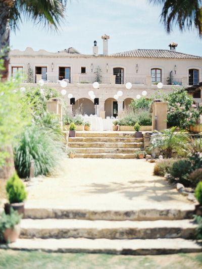 Hacienda wedding romance in Spain: http://www.stylemepretty.com/little-black-book-blog/2014/08/15/hacienda-wedding-romance-in-spain/ | Photography: http://www.josebasandoval.com/