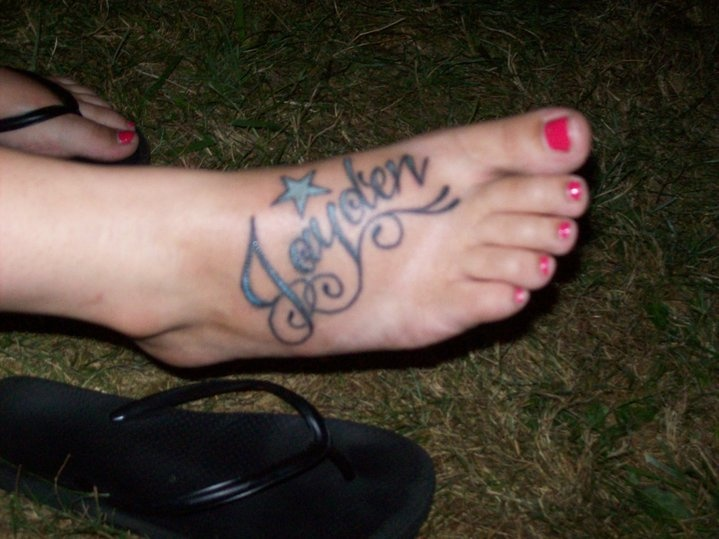 My son 39 s name tattoo on my foot it tattoos that i for My name in tattoo
