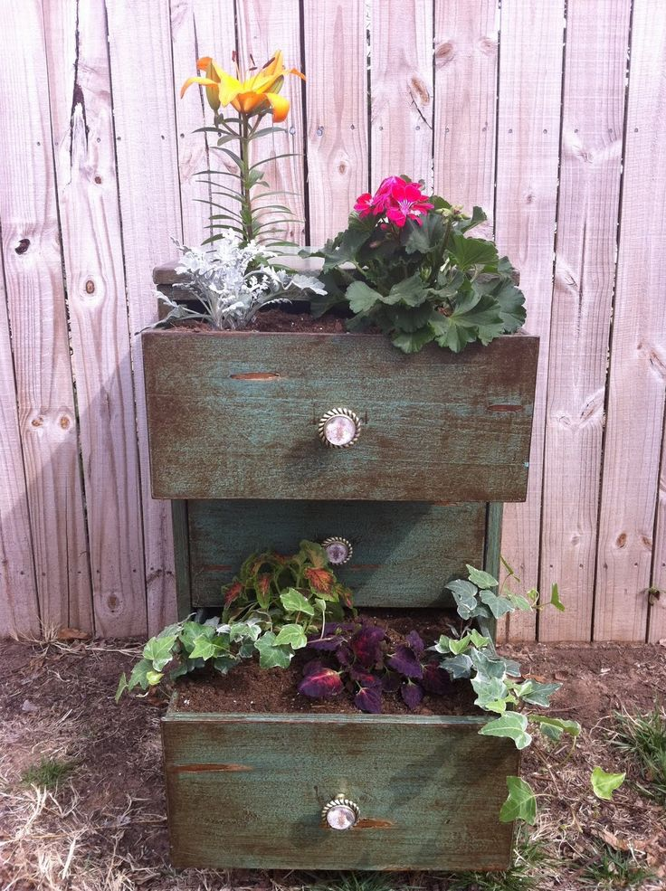 Old chest made into planter. Love it. I will be scouring Craigslist for something similar!  #Pier1OutdoorParty #Sponsored #MC