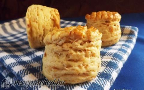 Tepertős-krumplis hajtogatott pogácsa recept fotóval