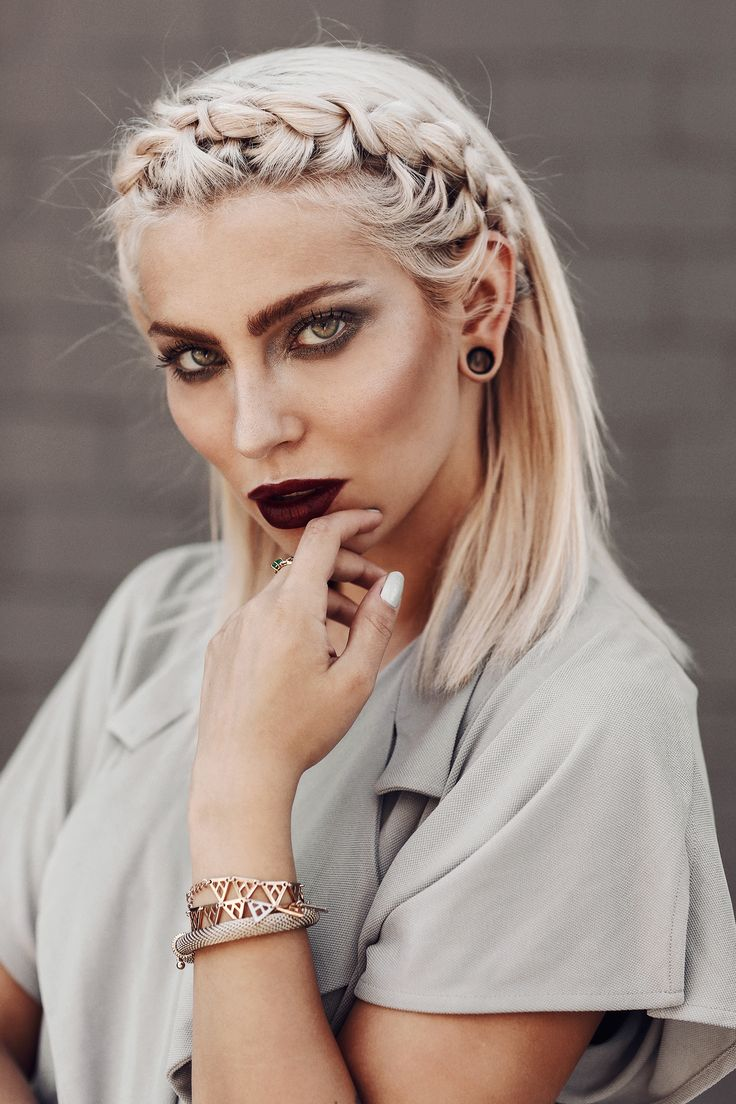 Masha Sedgwick | Portrait | platin blonde hair styles: sleek, braided, bun