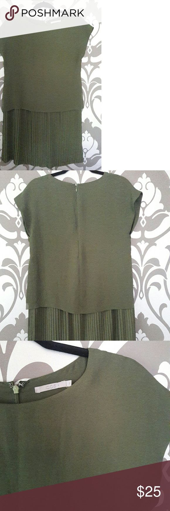 COS Olive Green Tunic Dress COS dress can also be worn as an oversized blouse/ tunic / loosefit. The dress has a hidden zipper in the bag. Size 36 COS Dresses Midi