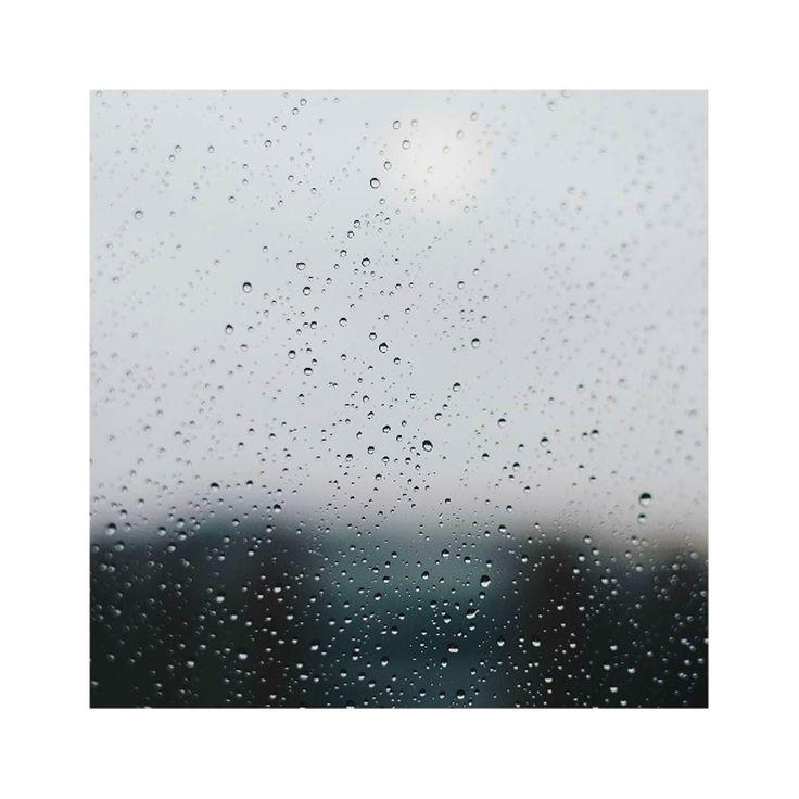 Sweater weather is on its way.  #sweaterweather #rain #window #autumn
