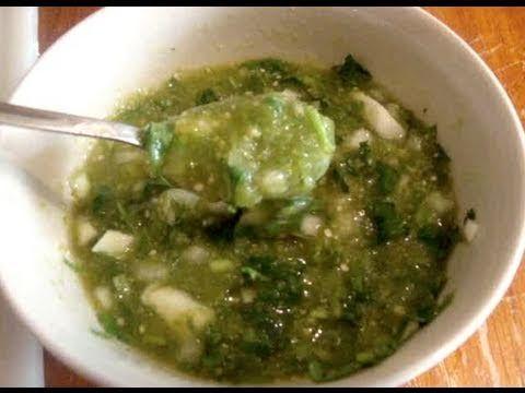 Una rica salsa verde para los tacos de canasta