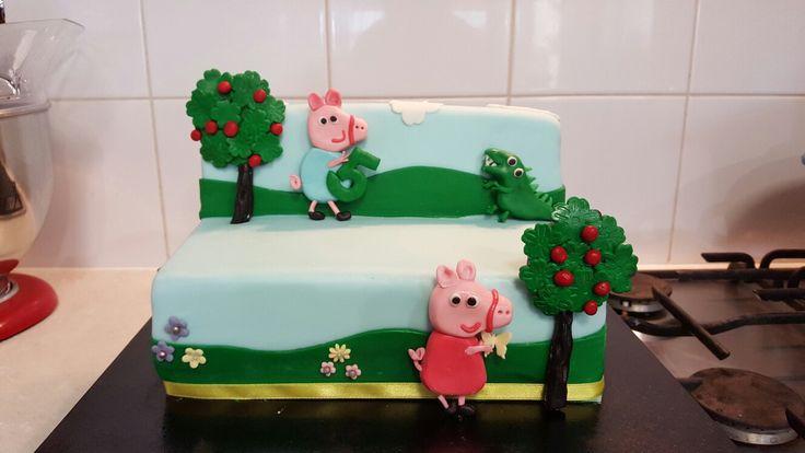 Pepper pig cake 5th birthday