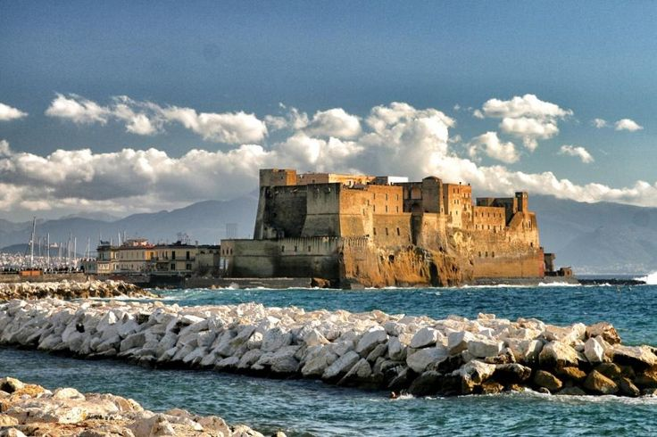 Our Naples City Tour will take you through the city of Naples, from its waterfront to its historic center with Tourboks!