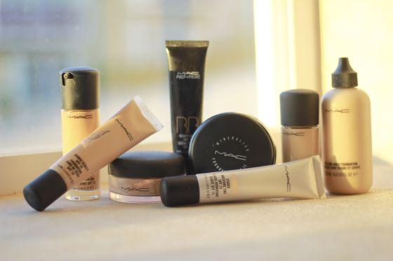 http://thatbitchstolemyblog.wordpress.com/2014/06/02/make-up-como-elegir-la-base-de-maquillaje/ Nuevo post en el blog, algunos tips para tener en cuenta al elegir la base de maquillaje :) #mac #maccosmetics