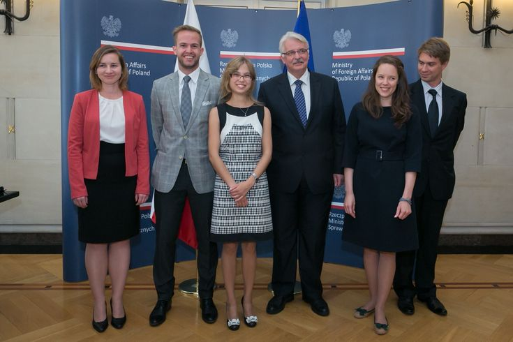 Nagroda Ministra Spraw Zagranicznych dla absolwenta UEP