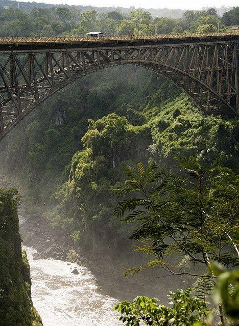 Bloukrans River Bridge, South Africa. Bungee Jumping.