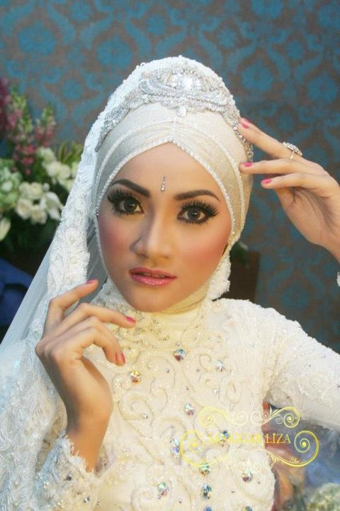 Gorgeous......Muslim bride