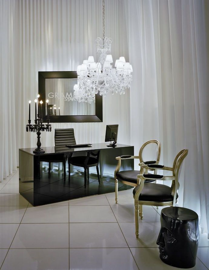 The interior design on this page is by Yoo Inspired by Starck. Description from maisongrace.blogspot.dk. I searched for this on bing.com/images