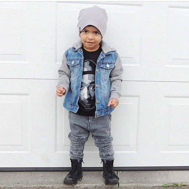 What a little heartbreaker! Elias is looking way too cool in our Lunar beanie absolutely love this outfit! Grab yours at ✖️www.brookz.co✖️ Thanks for sharing your gorgeous guy @elias_s_mom  #brookz#beanie#fashion