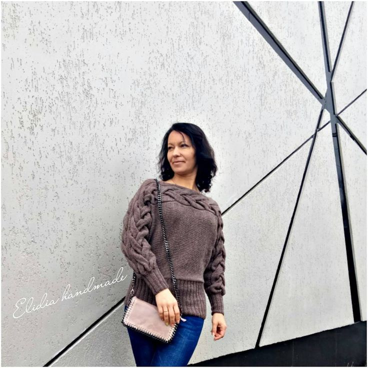 ❤❤❤Добрый вечер!Как вы провели выходные?😉😘  А мне всё-таки удалось,не смотря на дождливую погоду,сделать небольшую фотосессию этого пуловера.😊  Поперечная объемная коса является его изюминкой!🍇  Он мягкий,удобный,стильный!  Отлично подойдёт для Вашего повседневного образа!!!👌😉  @Elidia_handmade 💞  #lidiya_m ❤