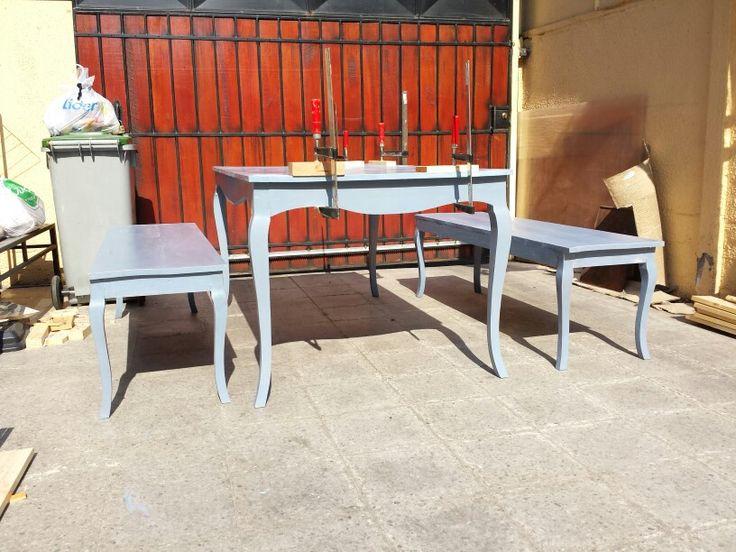 Mesa y bancas