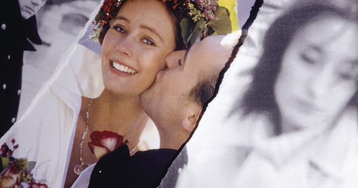 Tasas de divorcio por infidelidad de un cónyuge. Está claro que el engaño juega un papel en muchos divorcios. Menos claro es la frecuencia con la infidelidad por sí sola es la causa del divorcio. La infidelidad destruye matrimonios, pero también los matrimonios sobreviven a ella. Del mismo modo, muchos matrimonios en los que la infidelidad no era el tema terminan en divorcio. La infidelidad no ...