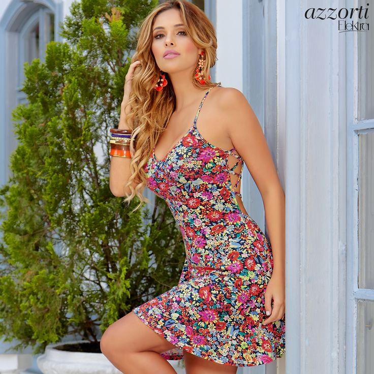 vestido de flores corto para días de sol. Clima cálido
